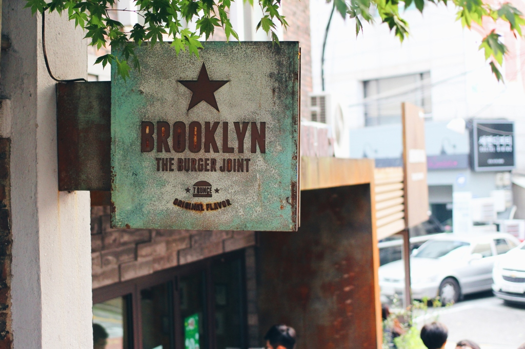 walksandwonder-brooklyn-the-burger-joint-seoul-002