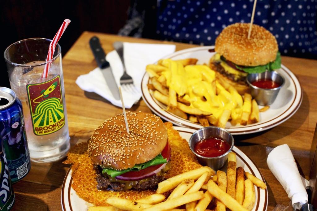 walksandwonder-brooklyn-the-burger-joint-seoul-003