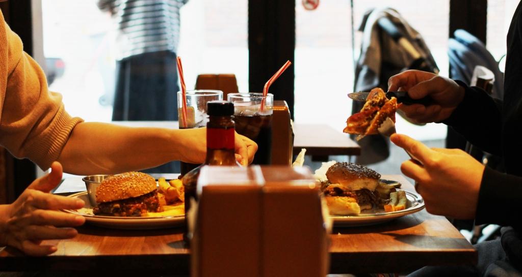walksandwonder-brooklyn-the-burger-joint-seoul-008