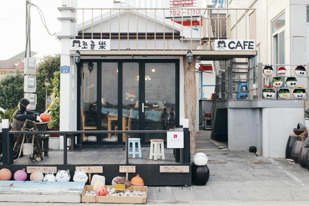 walks and wonder-cafe jjokkeullak jeju-002